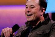 Илон Маск потерял 15 миллиардов долларов и статус самого богатого человека мира
