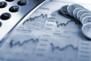 Ключевые биржевые индексы ЕС упали на фоне изменения торговой политики США