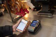 Банки сообщили оросте спроса нацифровые карты