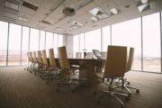 Спрос на столичные офисы за год упал в два раза