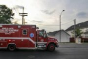 В Калифорнии в ДТП с грузовиком погибли не менее 12 человек